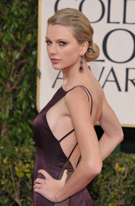 Taylor-Swift-so-close-to-showing-side-boob_gallery_primary